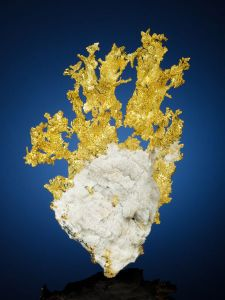 minerals - gold sculpture